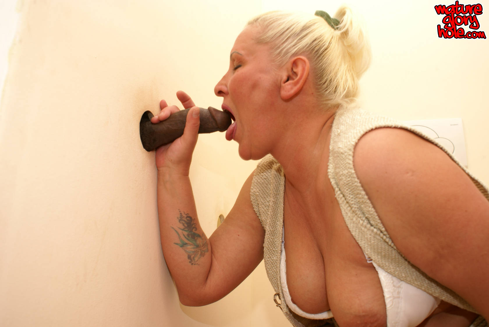 and sucking gloryhole fucking Mature