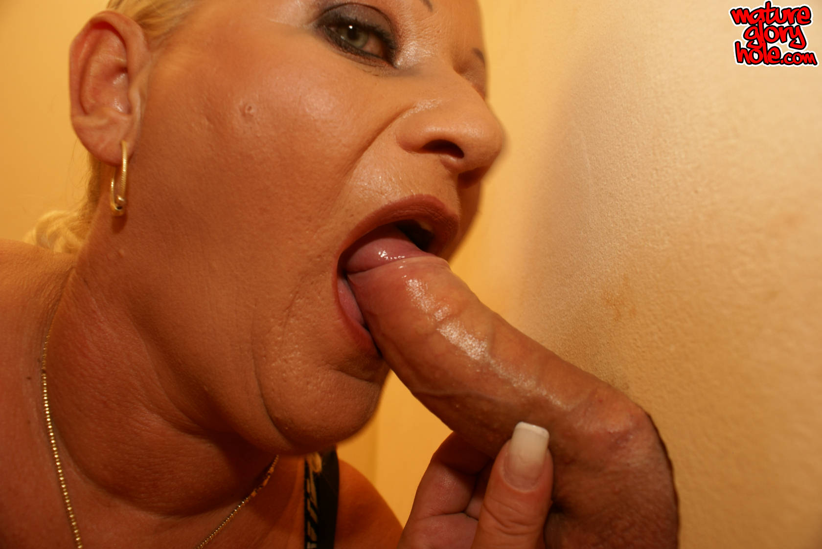 Womans pleasure and swinging sex