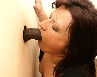 Mature gloryhole slut sucking and fucking