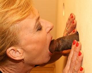 Mature lady sucking and fucking