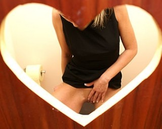 Great mature gloryhole action